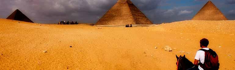 Tour en Caballo o Camello por las pirámides Guiza