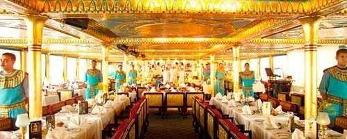 Restaurante-crucero en El Cairo