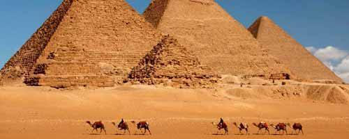 Barbacoa en el desierto de las pirámides de Guiza