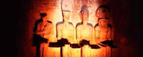Vista a los templos de Abu Simbel por vuelo